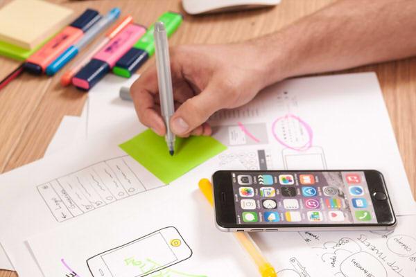 Webサイト制作 デザイン事業部 PROUD WORKS